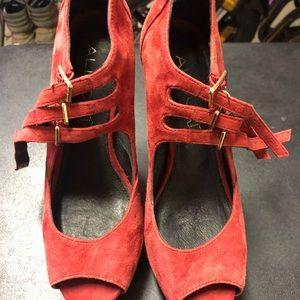 "GENUINE LEATHER Aldo 51/2"" heels"